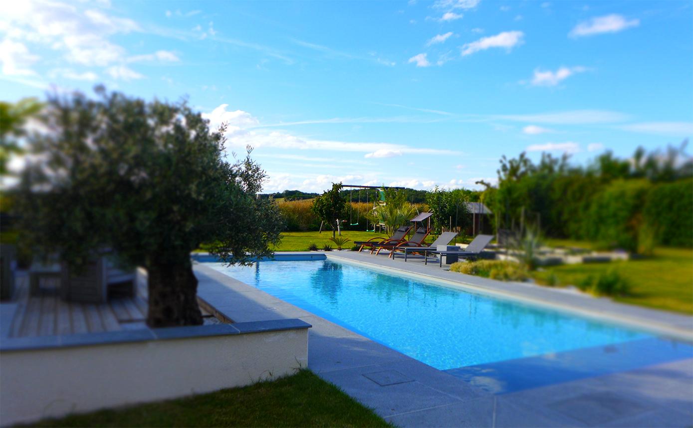 Création de piscine par de Boislaville, pisciniste paysagiste à Angers