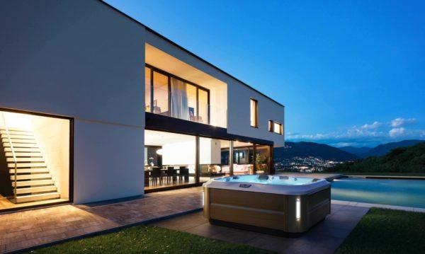 Idée d'aménagement spa jacuzzi dans un jardin moderne